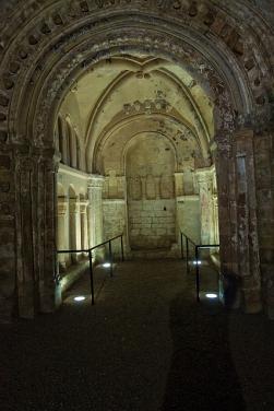 Altar apse in Cormac's Chapel